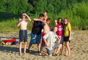 WEB_BeachGroupPose